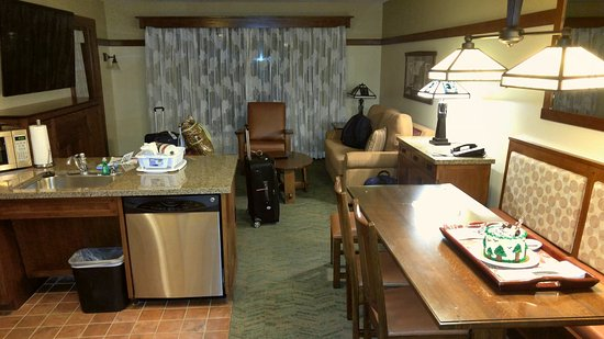 One Bedroom Suite Picture Of Disney 39 S Grand Californian Hotel Spa Anaheim Tripadvisor