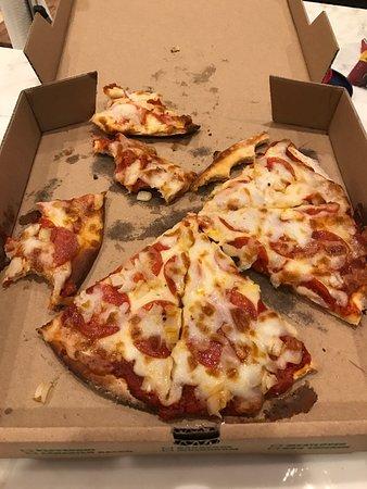 Garibaldi's Pizza: photo0.jpg