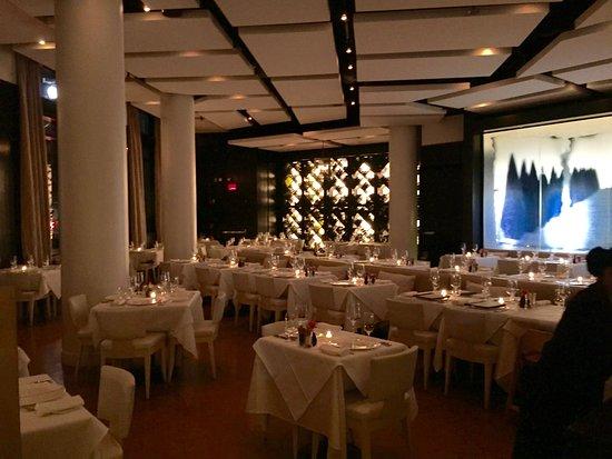 Sorellina: dining room 2
