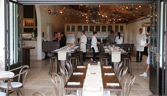 جزيرة واهيكي, نيوزيلندا: Great staff beautiful restaurant