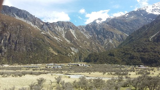 Aoraki Mount Cook Alpine Lodge: 20161102_155604_large.jpg