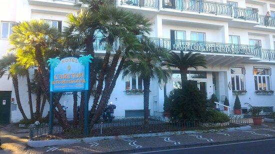Carlton International Hotel: P_20161012_084014_large.jpg