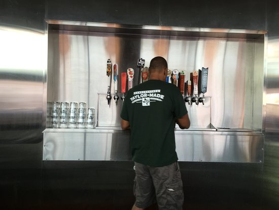 Taylor, Teksas: Craft-beer-puller