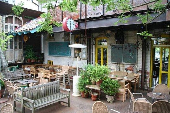 tacuba bar drauaŸen raucherbereich bild von tacuba salsa bar