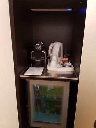 Design Hotel F6: Koffie, ijskast