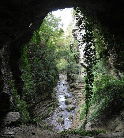 Acquasanta Terme, Italien: Vista dalla grotta