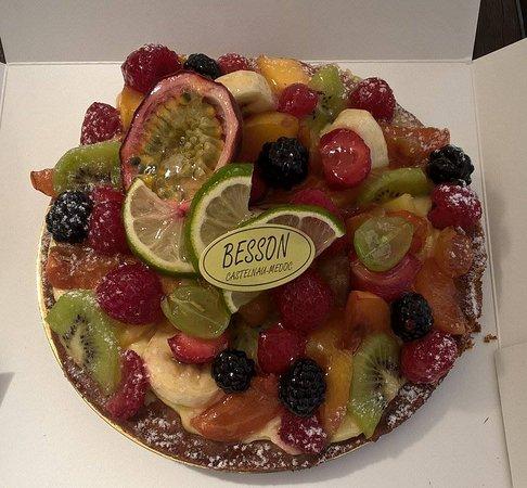 Castelnau-de-Medoc, Fransa: Tarte aux fruits, un délice