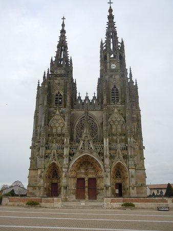 L'Epine, France: La basilique
