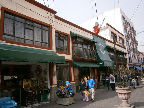 Acambaro, Mexico: View of hotel from street (Benito Juarez)