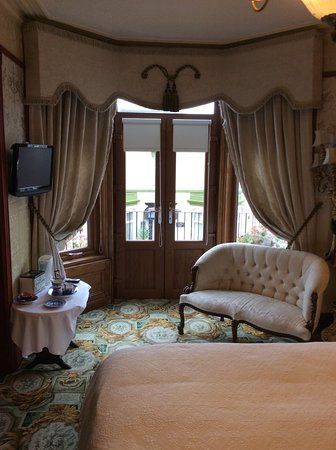 The Lonsdale Hotel: Edwardian room
