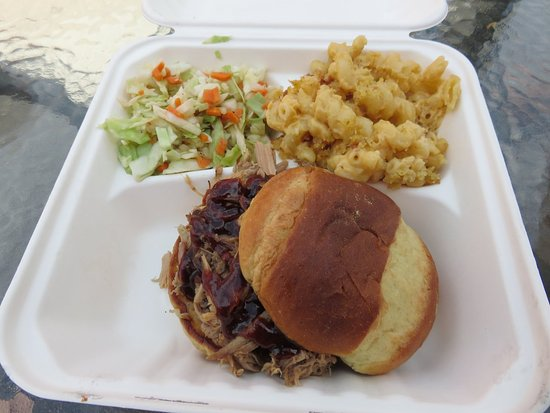Mount Vernon, OH: Smoked pulled pork on brioche bun, coleslaw & smoked mac & cheese