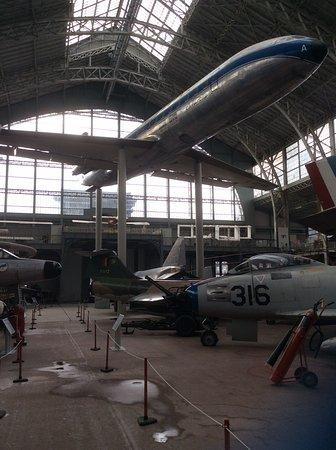 Musée Royal de l'Armée (Koninklijk Legermuseum): Airplane Display
