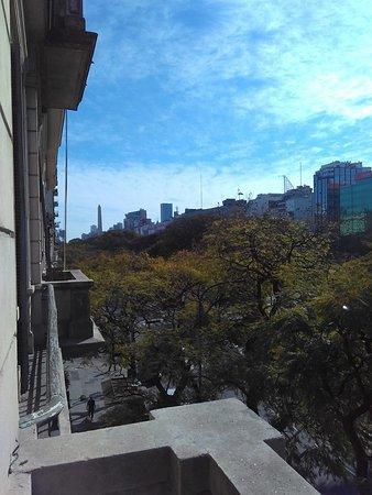 Ritz Hostel : Vista de apartamento do segundo andar. Ao fundo, o Obelisco!