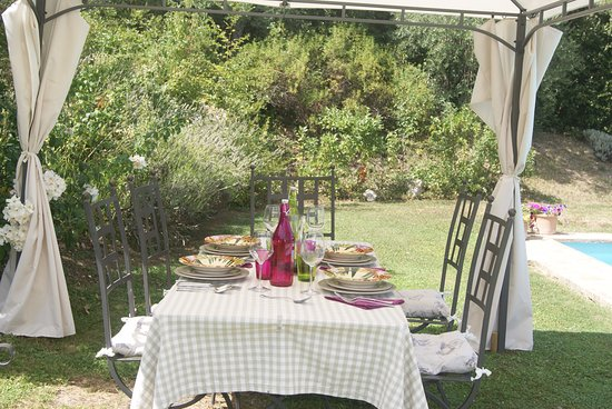 Fabulous Italy: Lunch by the pool side, cooked by our marvellous local chef.