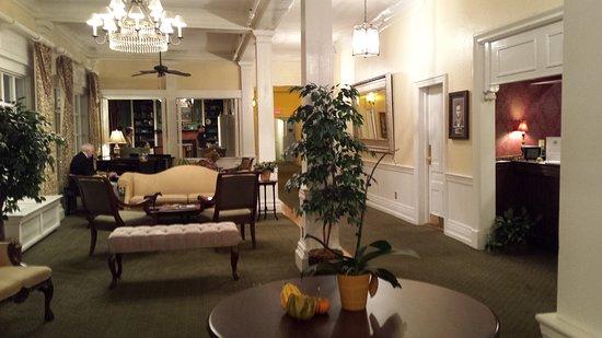 The Green Park Inn: 20161112_182833_large.jpg
