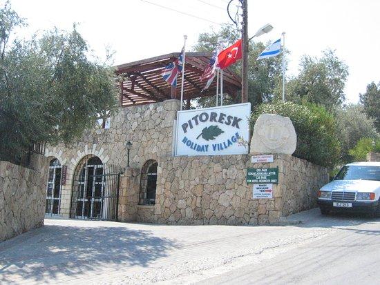 Pitoresk Holiday Village