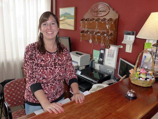 Hotel Austral: RECEPCION / Sta ARACELI / SIMPATIA y ASESORAMIENTO