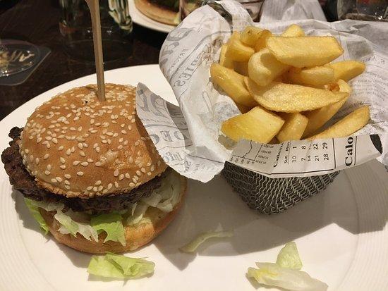 Gif-sur-Yvette, Frankrijk: Petit cheeseburger