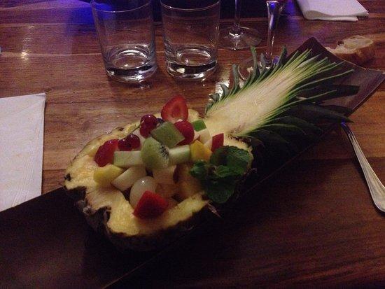 Marsillargues, France: Demi ananas farci