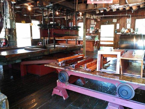 B.F. Clyde's Cider Mill : Cider Press