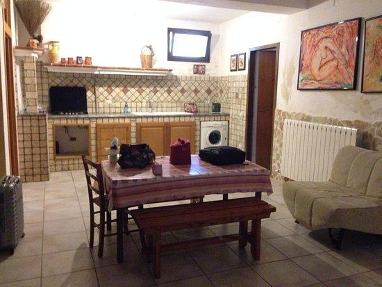 cucina privata della tavernetta - Foto di Domus Matilde, Galatone ...