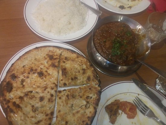 Mirch Masala: Peshwari naan, plain rice and masala lamb - excellent!