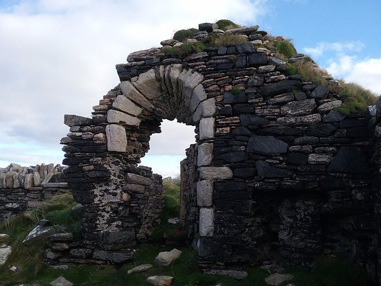 Belmullet, Ireland: View of the window in the ruins of Cross Abbey