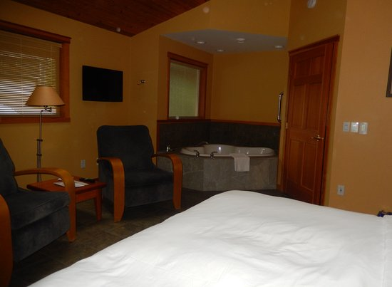 A Snug Harbour Inn: Ferris Room