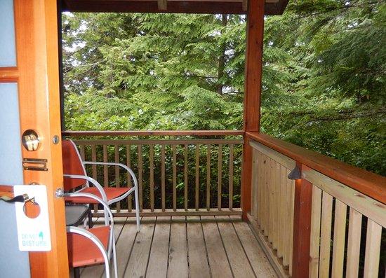 A Snug Harbour Inn: Ferris balcony