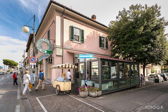 Rosignano Solvay, Italië: Il nostro locale visto da fuori