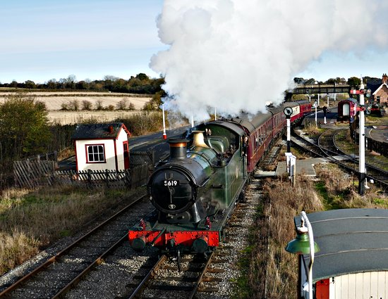 Ripley, UK: Steaming out of Swanwick Junction