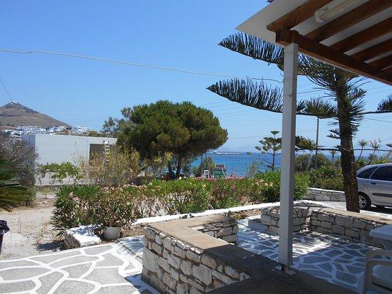 Logaras, Greece: Вид на пляж с нашей террасы