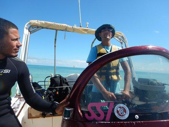 Dive Center: Blue Dolphin Djerba: Капитан этого судна и инструктор.