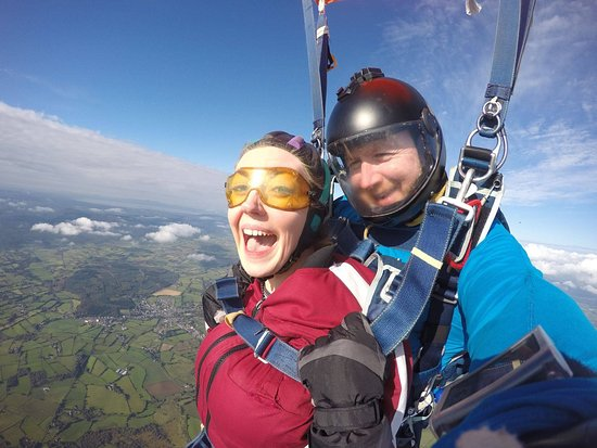 Garvagh, UK: End your exhilarating freefall experience with a peaceful parachute ride back to Earth!