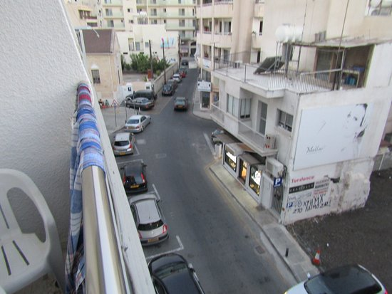 Petrou Bros Hotel Apartments: вид из номера