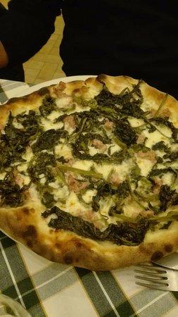 Mentana, Włochy: Pizza salsicce e friarielli
