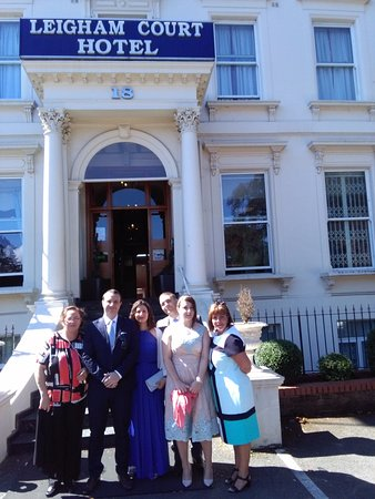 Leigham Court Hotel: my family photo,infront of the hotel.