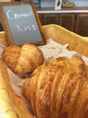 Shorewood, WI: Best croissants in Milwaukee. Delightful French bistro.