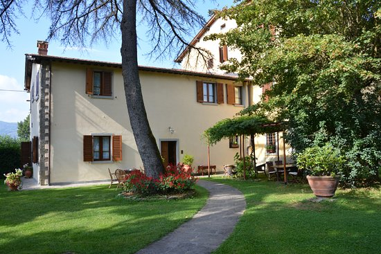 Poppi, Itália: Palazzo Gatteschi - Giardino e appartamenti