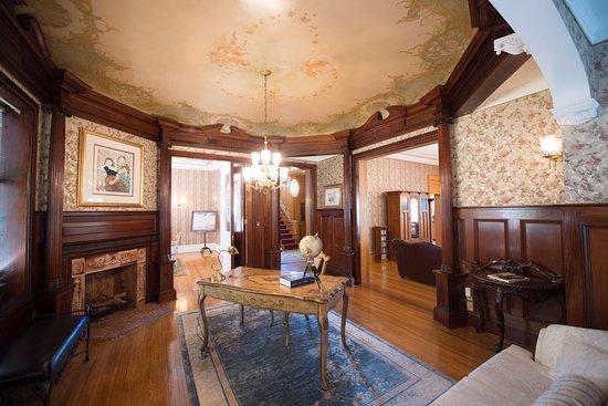 Chateau la Motte Guest House