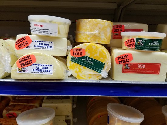 Ozark, MO: Yum 200 samples of cheese.