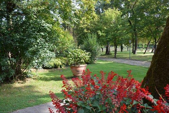Poppi, Itália: Palazzo Gatteschi - Giardino e parco secolare