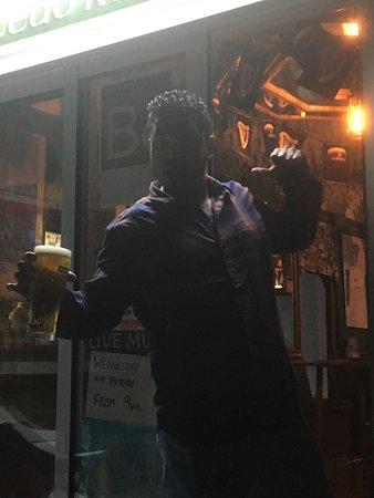 Paddys Irish Bar: photo2.jpg