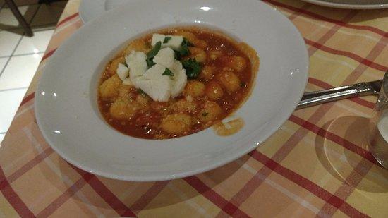La Vigna Ristorante - Pizzeria: The food we ordered...It is vegetable Gnocchi!!