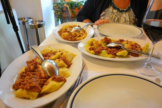 Poppi, Itália: Tris di primi piatti