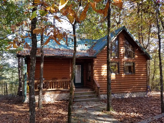 Watson, OK: front view of cabin
