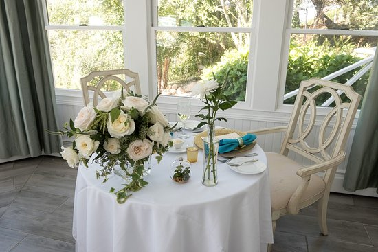 Block Island, RI: Sweetheart Table