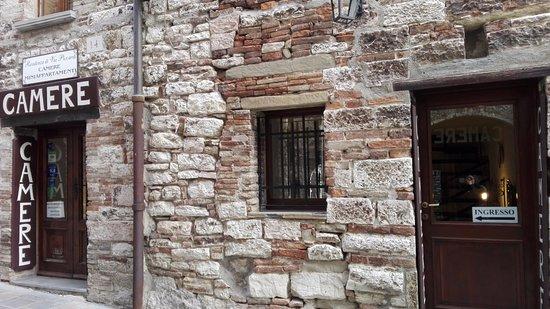 Residenza di Via Piccardi: ingresso