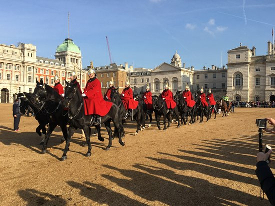 Horse Guard moving off to Buckingham Palace - Picture of ...  Horse Guard mov...