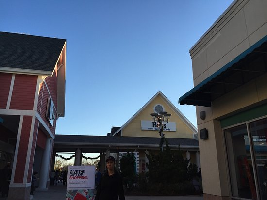Jersey Shore Premium Outlets: photo1.jpg